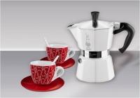 "Гейзерная кофеварка Bialetti ""Moka White"" + две чашки, на 3 чашки"